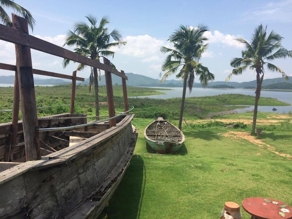 Boathouse Paradise Thailand 1